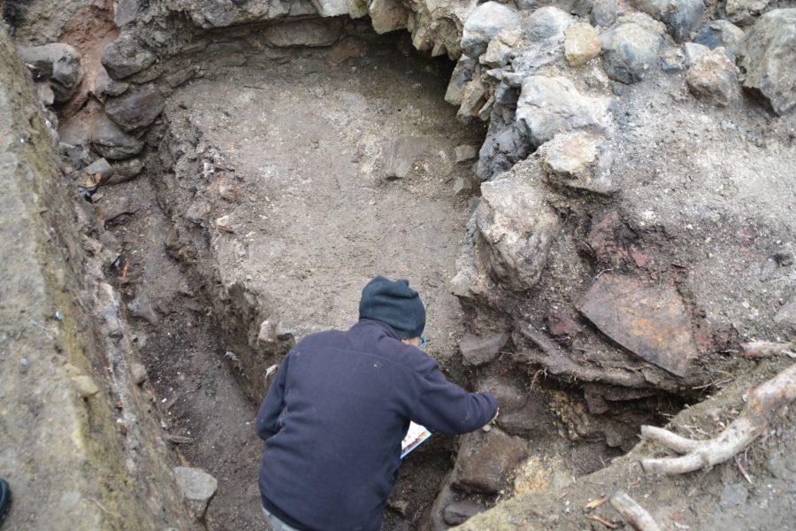 Erste Ausgrabung eines Kalkofens in Nordtirol bei Badhaus Wochenbrunn